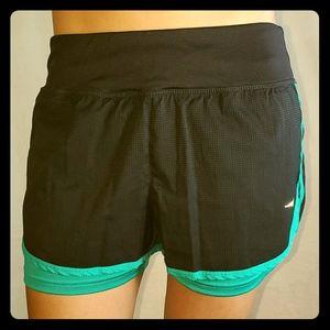 Diadora running shorts size medium